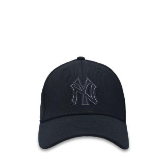New Era New York Yankees Clubhouse Collection 39Thirty Stretch Fit Man's Cap - Black