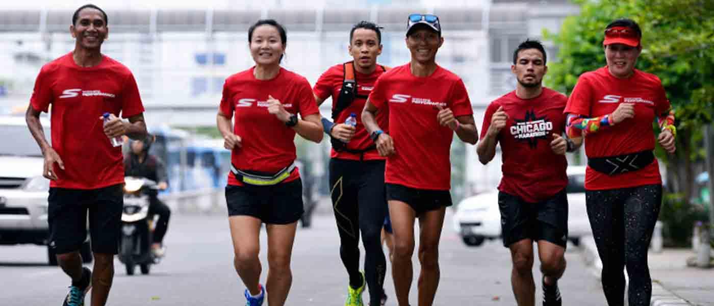 Pilih Mana: Lari Sendiri atau Bersama Komunitas?